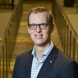 """Ad van Zutphen, Nyderlandų įmonės """"Driessen"""" vienas iš vadovų"""
