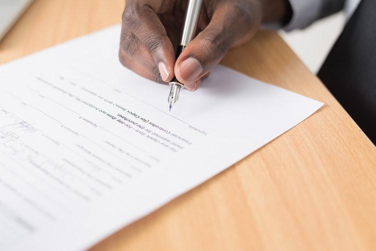 Kā tiek sastādīts pagaidu darba līgums?